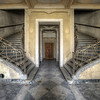 Palace steps - Villa entry hall with a sweet double staircase