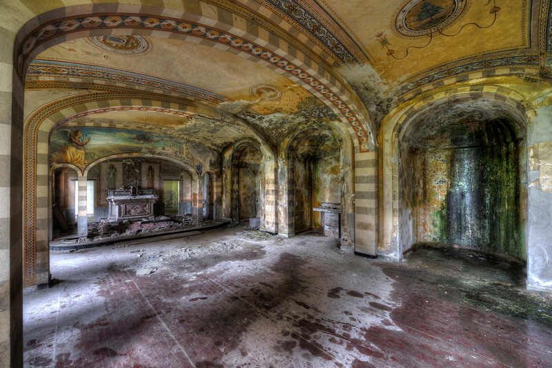 Yellow Arches - Abandoned chapel