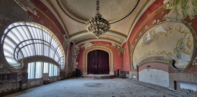 The last waltz - One of the many impressive rooms in this former casino. My guess is this 10 meter high room was probably used as a ballroom. Can you imagine the people waltzing around while the orchestra is playing Strauss on the stage ?