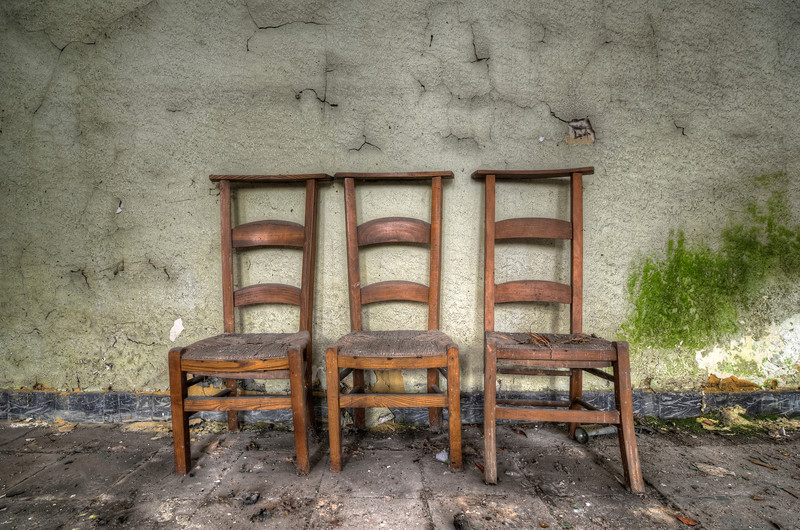No Table - Minimalistic shot inside an abandoned church