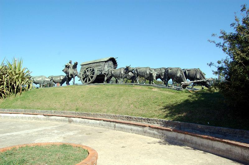 La Careta (the cart) Statue