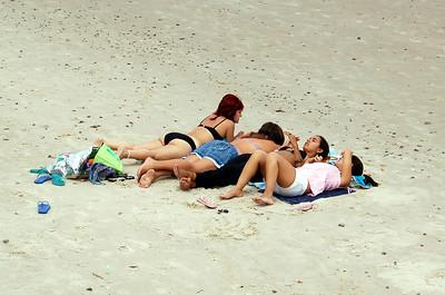 Piriapolis Beach Girls