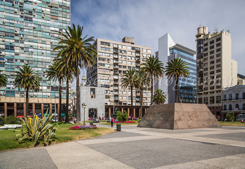 Independance Square in Montevideo, Uruguay, South America.