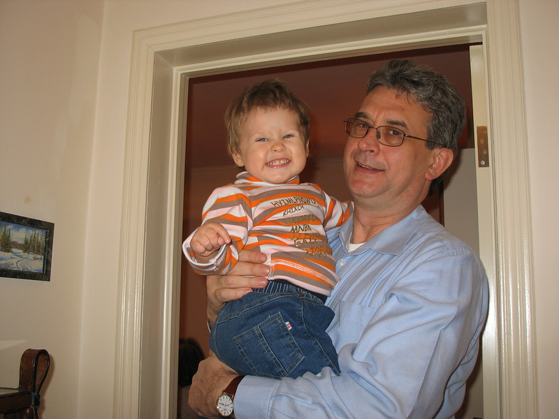 Rustem with Dmitry Babich's daughter, Angelina. Thanksgiving. Moscow (2007)