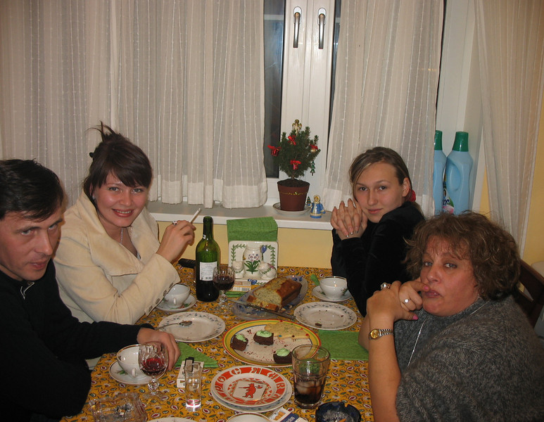 Rustem's niece Oxana & her [now] husband Sergey with Nastiya & Susan in our kitchen