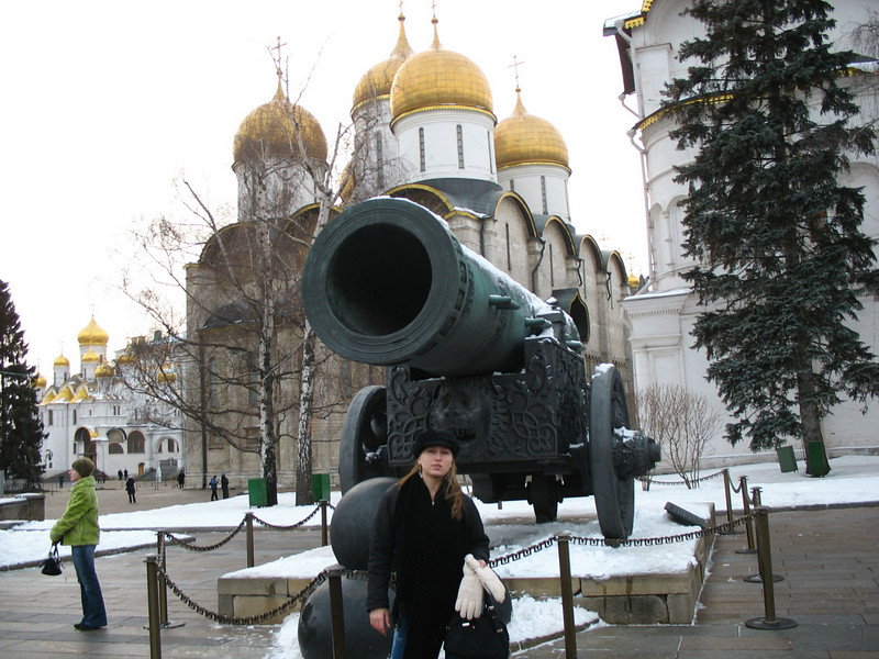 Kremlin cannon - largest cannon ever built, never fired.