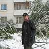 Rustem in front of our Moscow apartment. (10.2007)