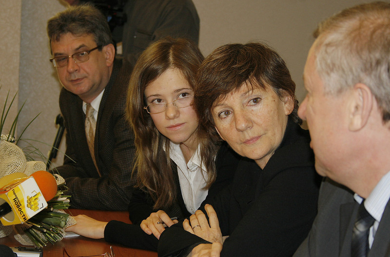 """""""Ural People of Tomorrow"""" [""""Люди уральского завтра""""] press conference. Producer, Rustem Safronov, directed by Madeleine Caillard (France). (12.2006)"""