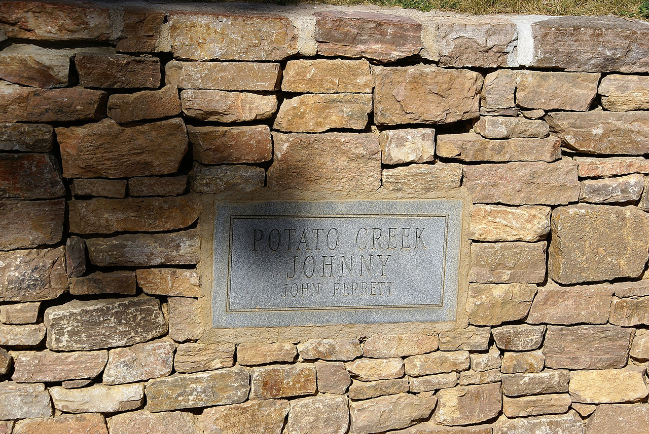 """Potato Creek Johnny was 4ft 7"""" tall but he found a nugget of gold.which hence brought him fame."""