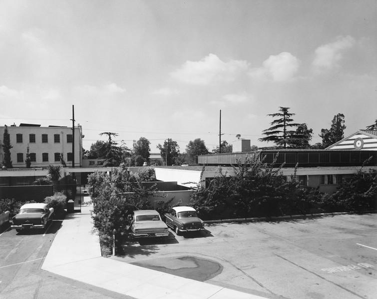 uaic-facultycenterrear1964