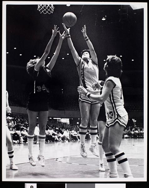 1979-1980 season University of Southern California women's basketball game, ca. 1980