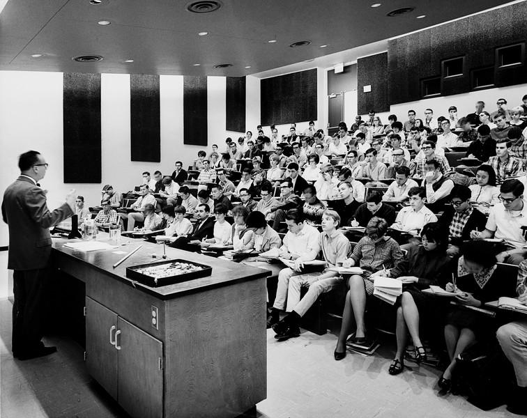 Modern classroom, USC,  [s.d.]