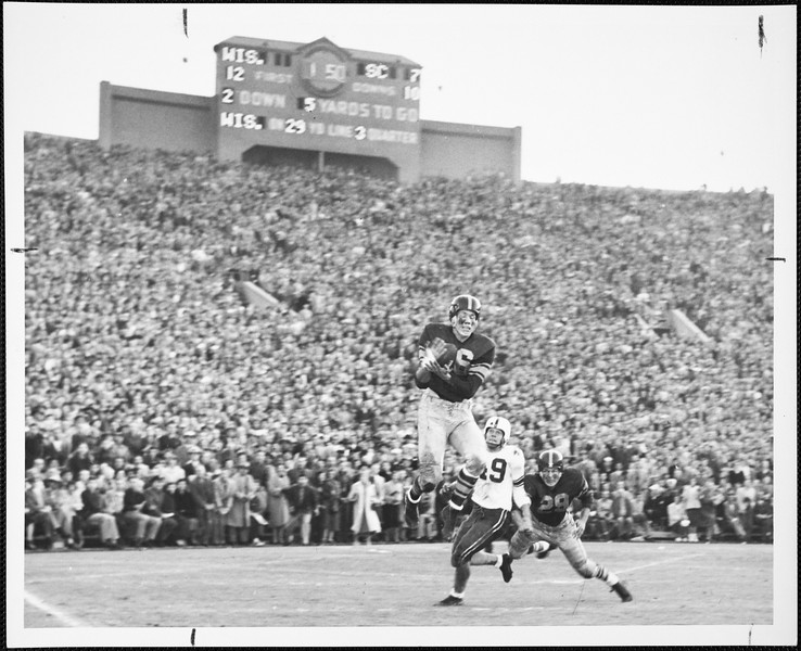 USC football player Crow's interception in the Rose Bowl game against Wisconsin,  1953
