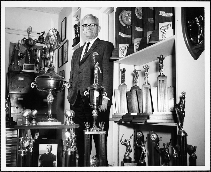 USC trophy room runs out of space, [s.d.]