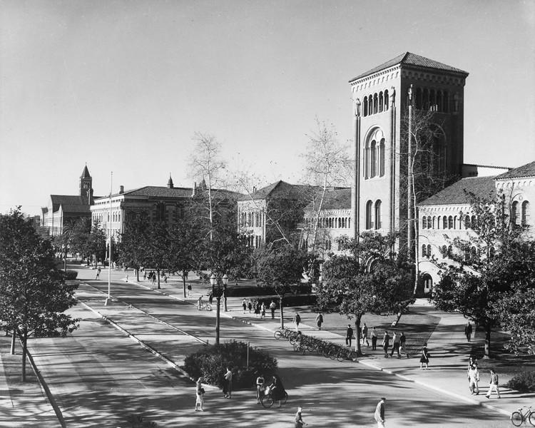 uaic-universityave1960