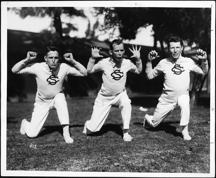 USC Cheerleaders perform for camera, 1915