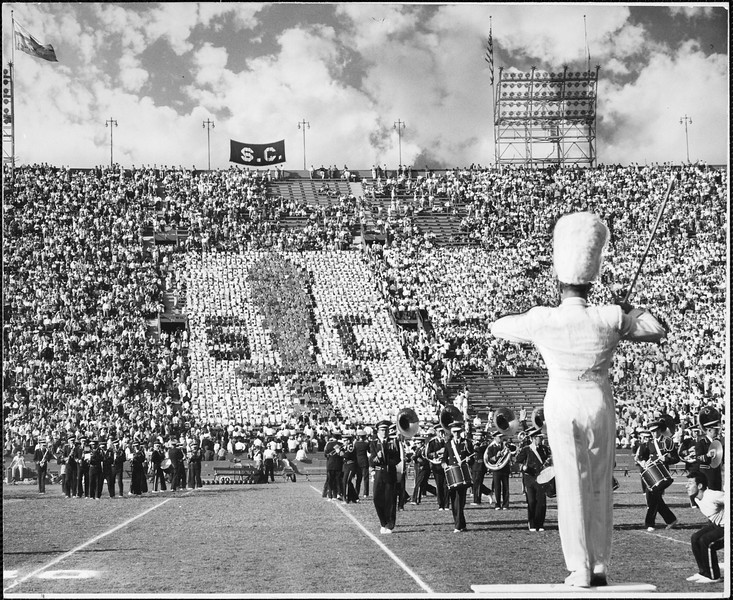 Card stunt in the game between Washington State and USC, 1949