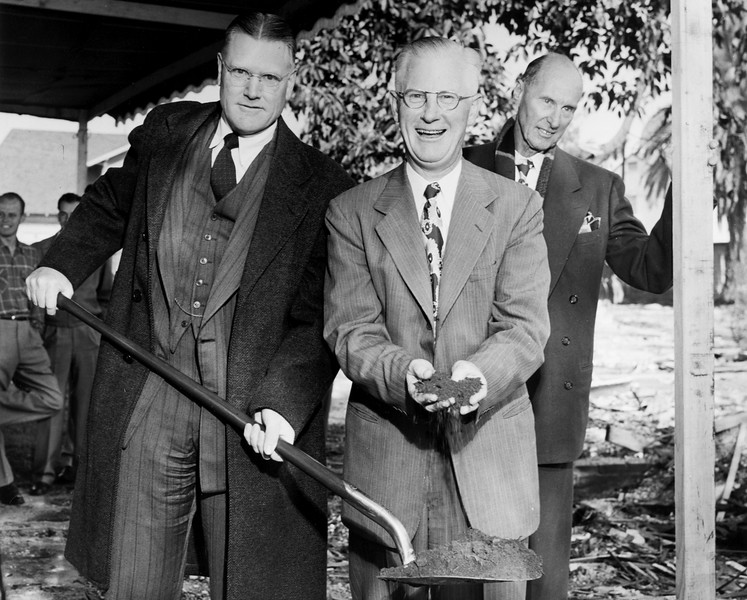 uaic-DentalBuildingGroundbreaking1951