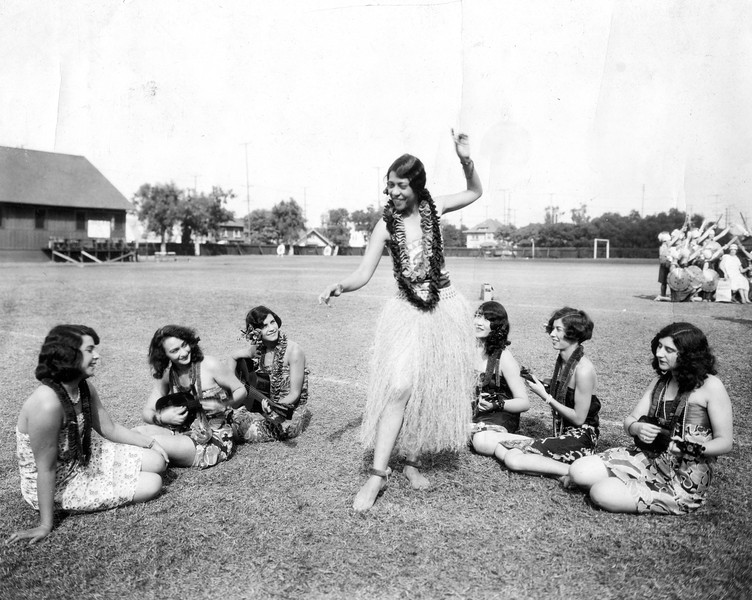 uaic-HawaiianStudents1920