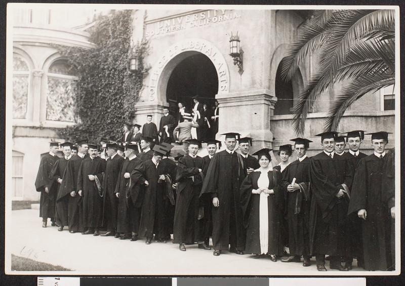 Commencement ceremonies, 1915