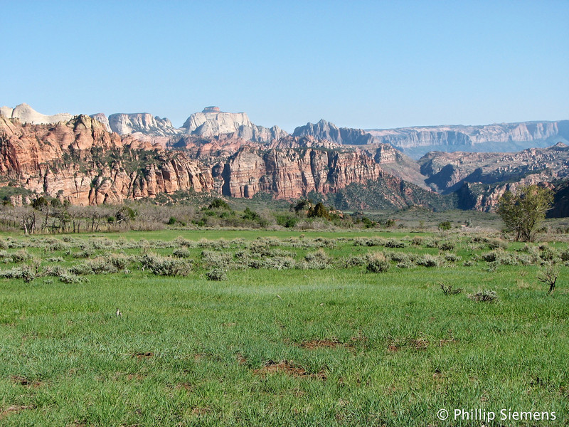 Hop valley toward Zion Canyon and patriarchs