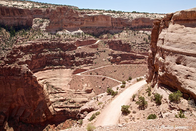 Shafer Trail going down to the Whie Rim