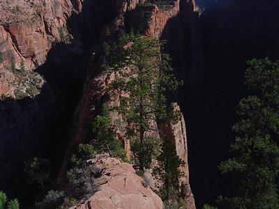 Angles landing 1200 foot drop both sides