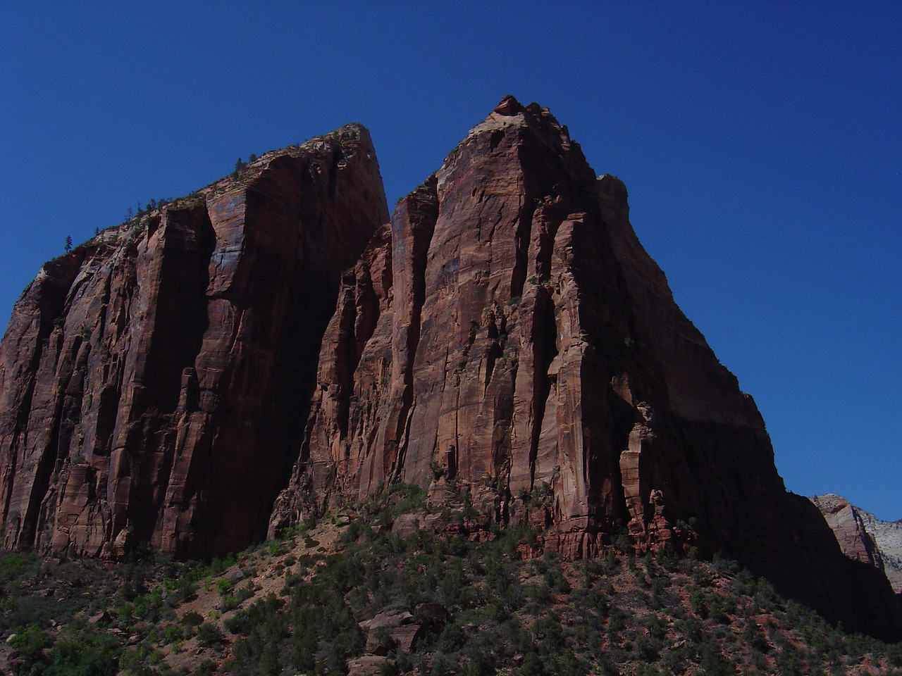rocks above emeral pool trail