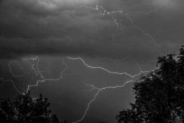 Lightning-2780