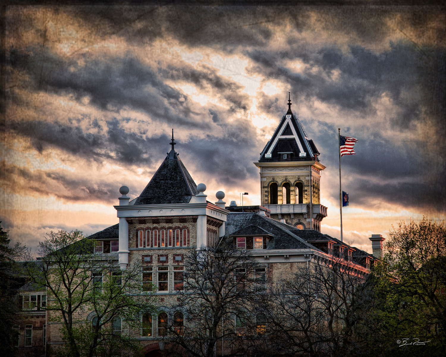OLD MAIN GOTH