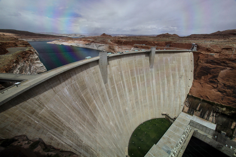 Day 4. Afternoon drive to the Glen Canyon Dam at the Arizona/Utah border.