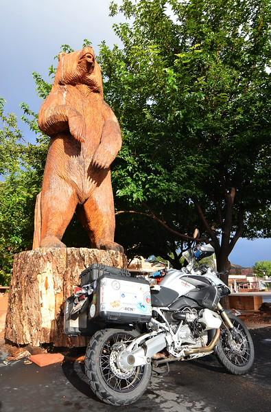 BIG Ponderosa carved into a big bear.