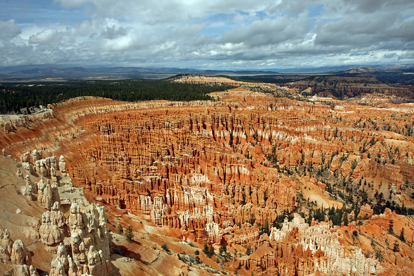 Bryce Ampitheater from Inspiration Point.