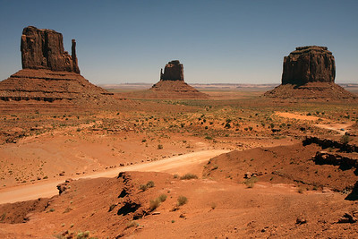 The very last stop on our road trip was to Monument Valley and the famous Mittens. We were ready to get home by this point, so didn't spent too much time in the park.