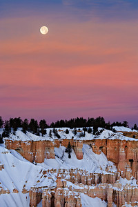 Blue Moon setting, from Bryce Point New Years Day, 2010 single exposure