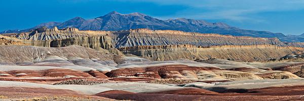 Henry Mtns - Cainville Badlands Cretaceous Outcrops