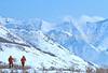 SN ut wstc 41 - ORps - Snowshoers in Utah's Wasatch Mountains near Salt Lake City, Utah - 72 ppi