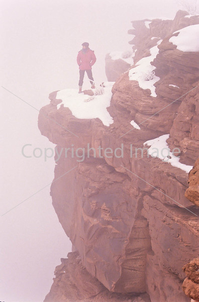 Hiker in Canyonlands National Park, Utah - 25 - 72 ppi