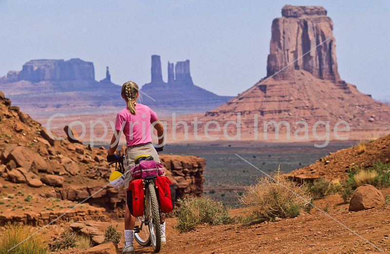 Mountain biker in Monument Valley Navajo Tribal Park on Utah-Arizona border - 8 - 72 ppi