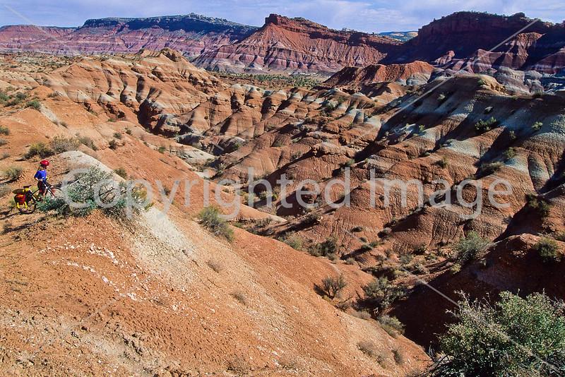 Mountain biker; Old West Paria movie set in Utah -17 - 72 ppi