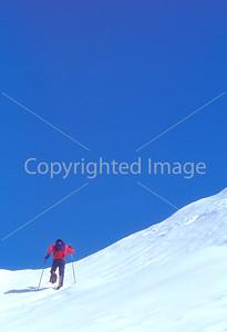 SN ut wstc 22 - ORps - Backpacker on snowshoes in Utah's Wasatch Mountains near Salt Lake City, Utah - 72 ppi