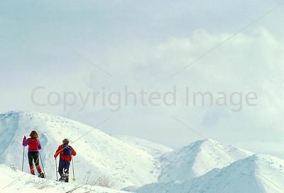 SN ut wstc 43 - ORps - Snowshoers in Utah's Wasatch Mountains near Salt Lake City - 72 ppi