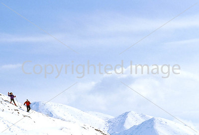 SN ut wstc 44 - ORps - Snowshoers in Utah's Wasatch Mountains near Salt Lake City - 72 ppi