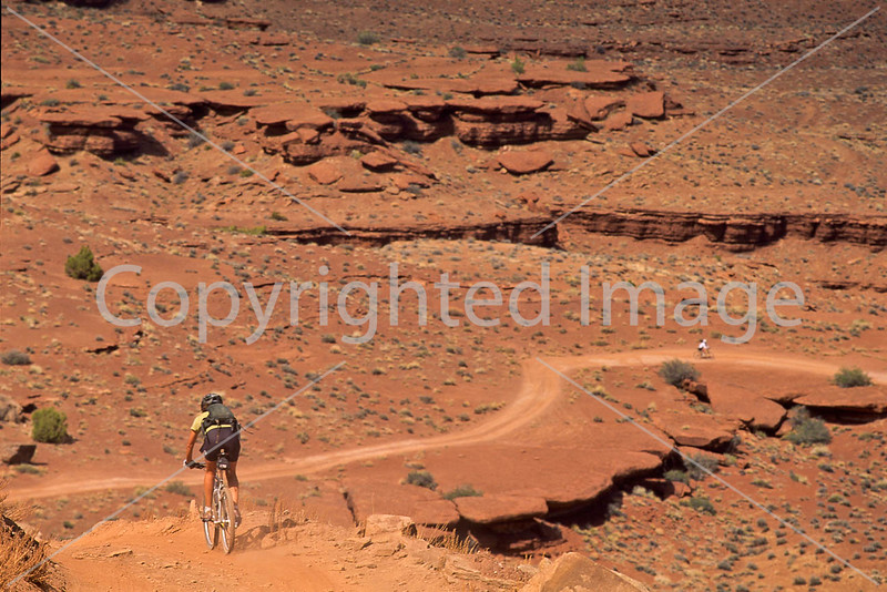 Mountain biker(s) on White Rim Trail - 407 - 72 ppi
