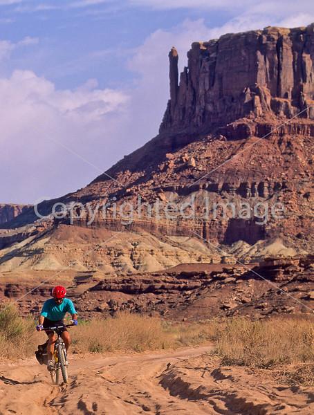 Mountain biker(s) on White Rim Trail - 372#3 - 72 ppi