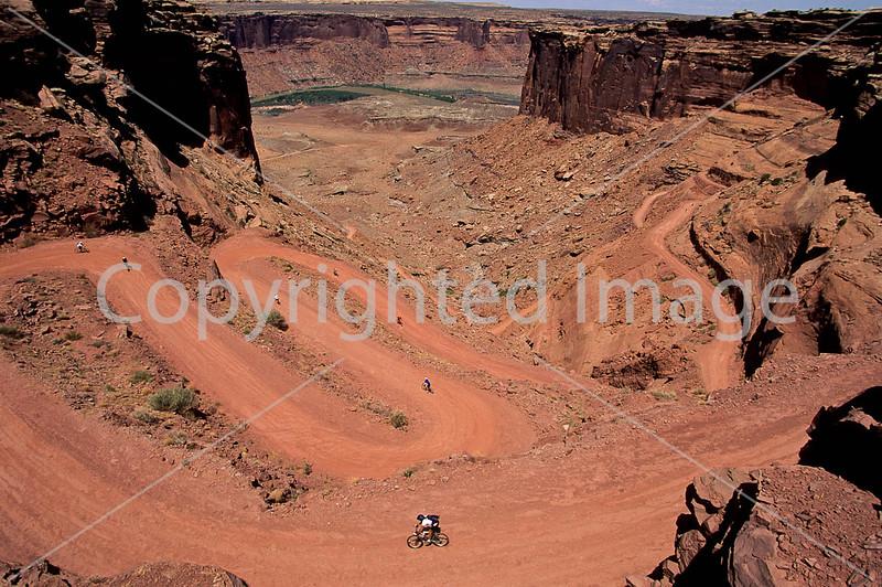 Mountain biker(s) on White Rim Trail - 334 - 72 ppi