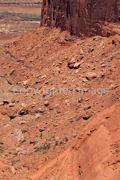 Mountain biker(s) on White Rim Trail - 338 - 72 ppi