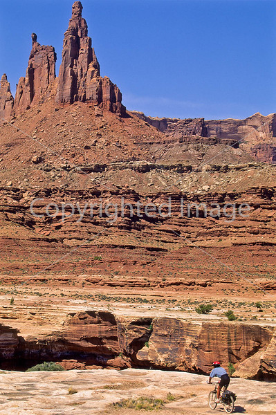 Mountain biker(s) on White Rim Trail - 395 - 72 ppi