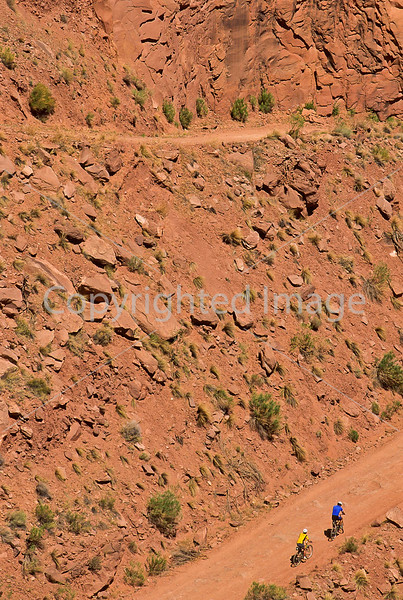 Mountain biker(s) on White Rim Trail - 332 - 72 ppi