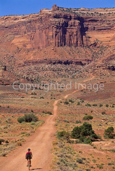 Mountain biker(s) on White Rim Trail - 393 - 72 ppi